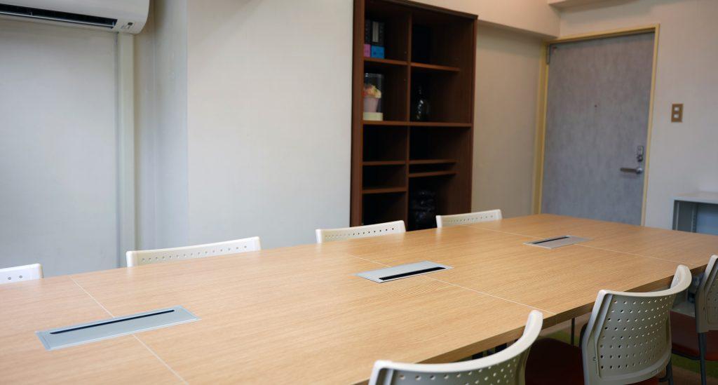 小田原の弁護士 三川法律事務所の面会室